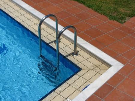 pool-1417328-640x480